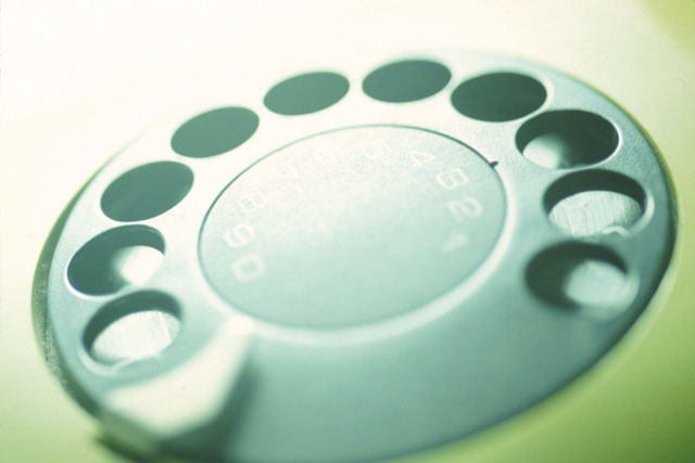 まずはお電話でご連絡下さい。